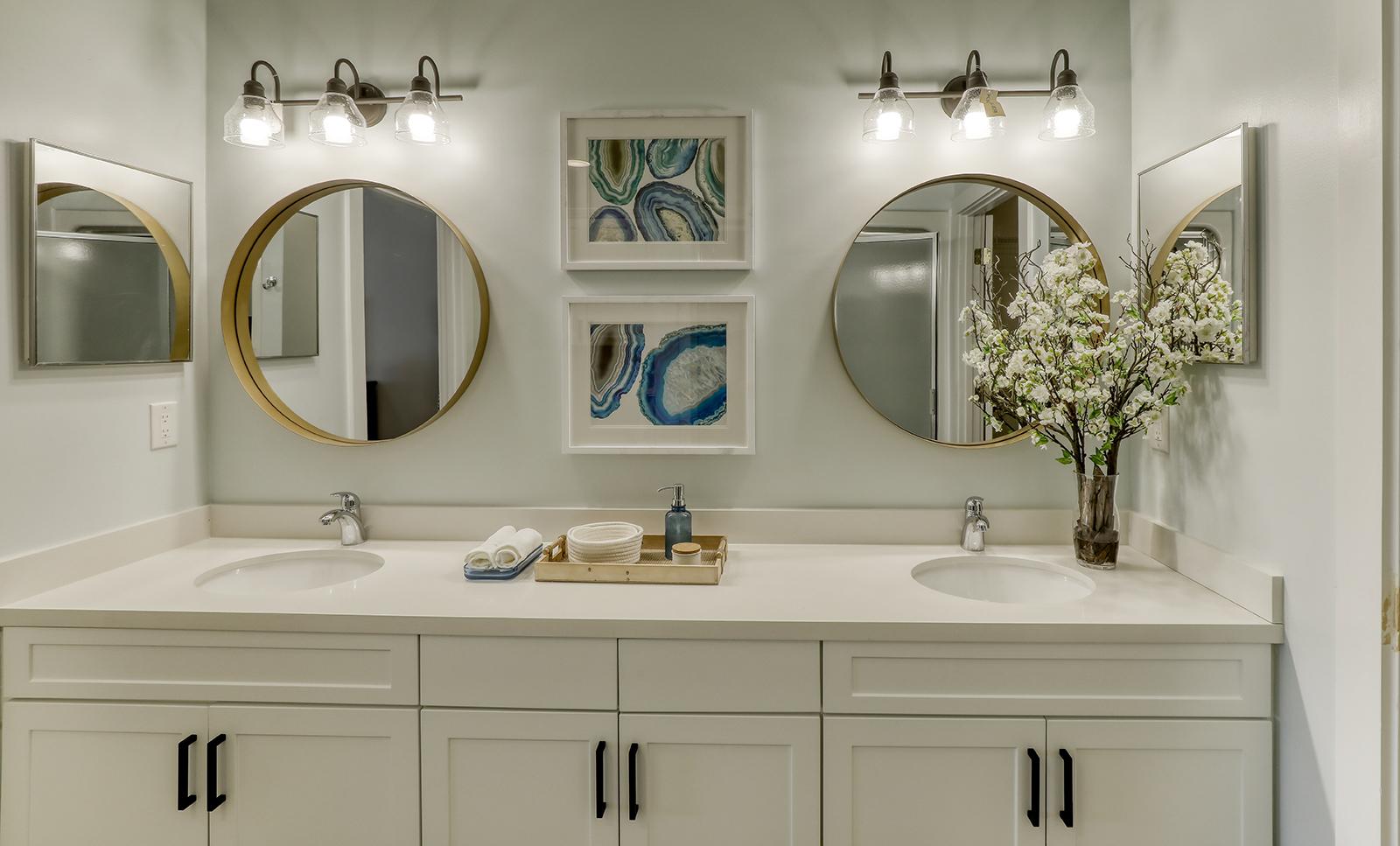 Unisen Villa - Master Bathroom
